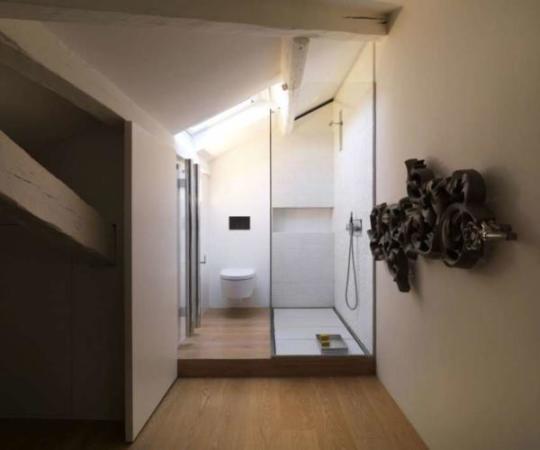 image تصویری دکوراسیون مدرن و سفید آپارتمان کوچک