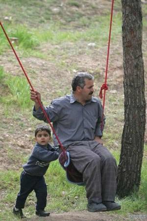 image, عکس ناراحت کننده ظلم پدر در حق پسر