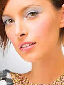 image آموزش دقیق آرایش چشم مدل دختر طلایی