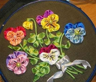 image آموزش درست کردن تابلو گل بنفشه با روبان