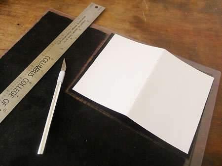 image آموزش مقدماتی کار با چرم و چرمسازی