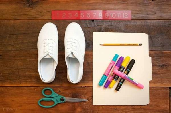 image, آموزش رنگ کردن کفش های سفید ساده با ماژیک