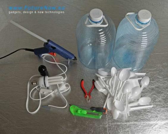 image آموزش ساخت لوستر با بطری نوشابه و قاشق پلاستیکی