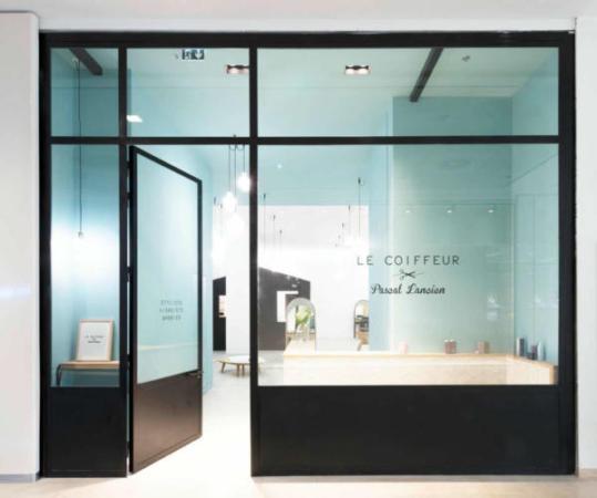 image, دکوراسیون مدرن مغازه آرایشگاه مردانه