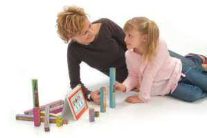 image آموزش بازی های ساده داخل خانه با بچه ها