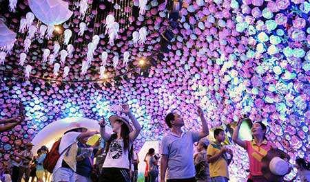 image نمایشگاه باغبانی در گینگ دائو چین
