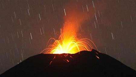 image فوران کوه آتشفشان در اندونزی