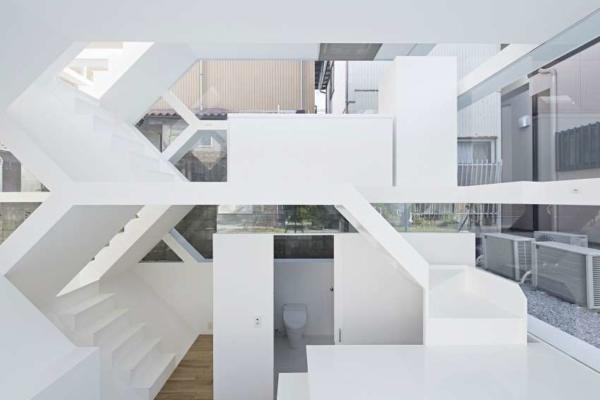 image عکس های دیدنی خانه با دیوارهای شیشه ای