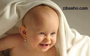image نکات مفید موقع سوراخ کردن گوش کودک