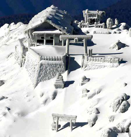 image یخ زدگی خانه های کوهی در ژاپن