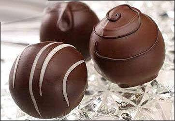 image, چطور خودمان شکلات مغزدار دست کنیم