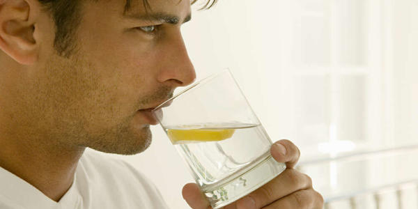 image صبح ها سرحال باشید با نوشیدن آب داغ لیمو