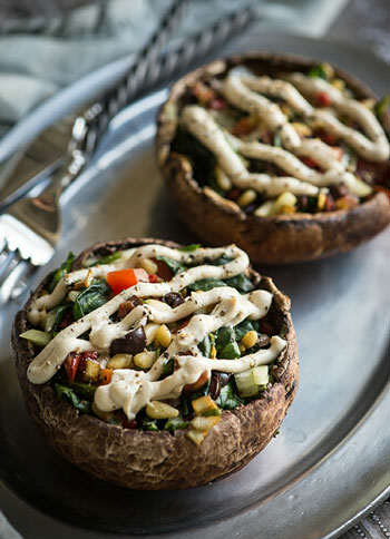 image, تزیین غذاها به شکل مجلسی و شیک با قارچ