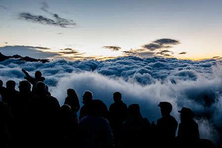 image, طلوع آفتاب و دریایی از مه ارتفاعات سوئیس