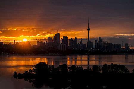 image عکس شگفت انگیز زیبایی خورشید در آسمان کانادا