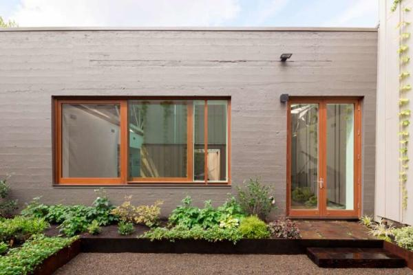 image بهترین طراحی حیاط ۲۰ متری کوچک و باغچه شیک