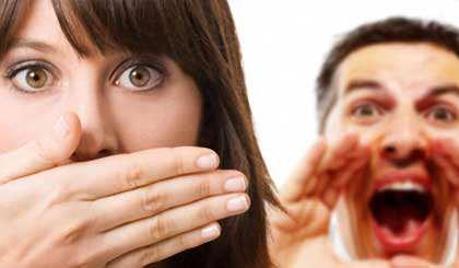 image چرا نامزدم اینقدر کم حرف میزند