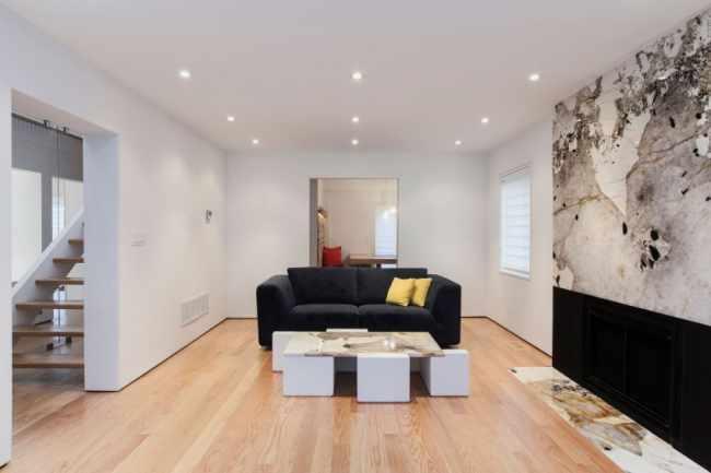 image, چیدمان شیک اتاق سفید رنگ با مبل دو نفره سیاه