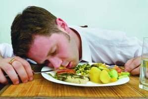 image, بهترین ساعت برای خواب بعد از شام خوردن