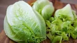 image سالاد کاهو برای سلامتی مفید است یا مضر
