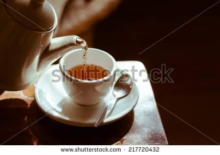 image خطرات و فایده های استفاده از چای کیسه ای فوری