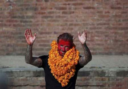 image ظاهر عجیب دیوید بکهام در مراسم خیریه نپال