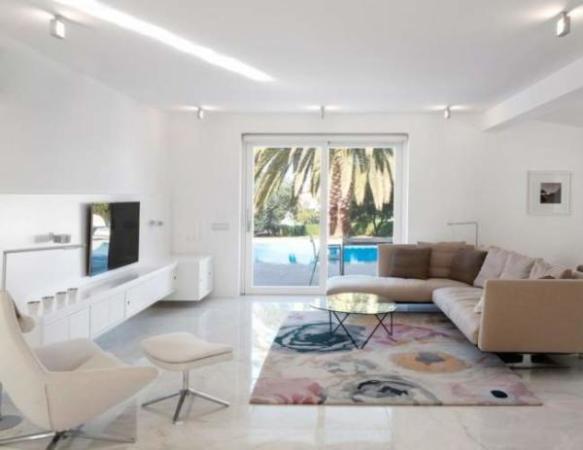 عکس, تصاویری زیبا از قصر سفید مدرن با دکوراسیون کاملا یک رنگ