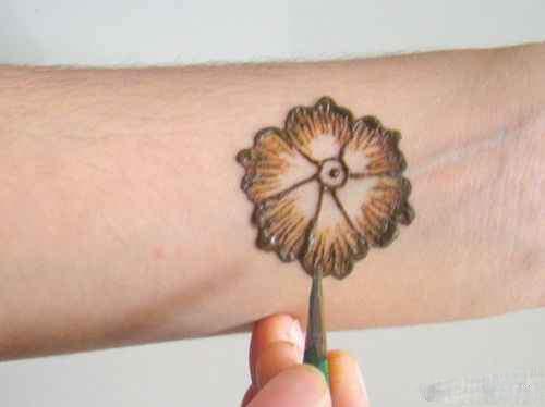 image طرح های زیبا همراه با آموزش طراحی با حنا روی دست