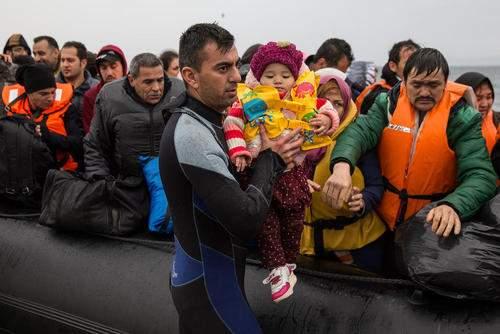 image ورود پناهجویان خاورمیانه ای به جزیره لسبوس یونان