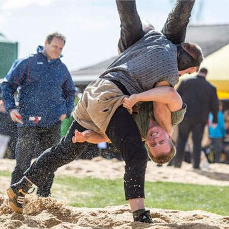 image مسابقات کشتی در فستیوال بهاره سوییس