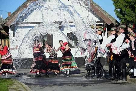 image, عکسی زیبا از برگزاری جشن آب ها در مجارستان