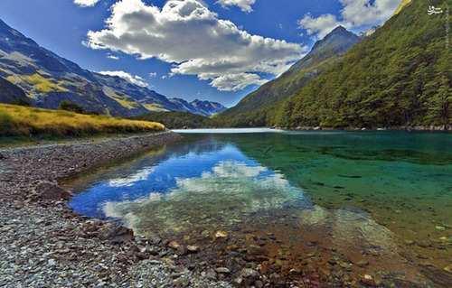 image عکس های دیدنی از دریاچه زیبای آبی در نیوزلند