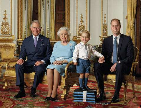 image عکس یادگاری ملکه انگلیس تولد نود سالگی کاخ باکینگهام