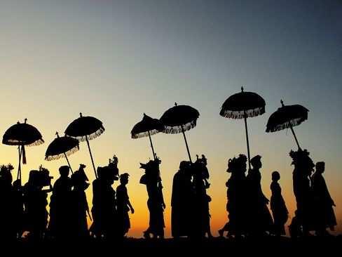 image عکس مراسم آیینی هندوها جزیره بالی اندونزی