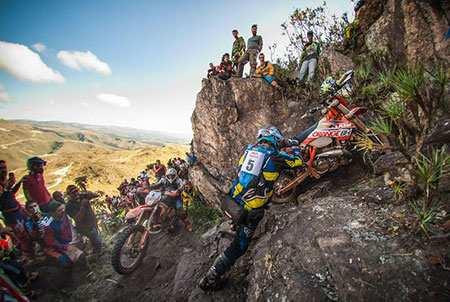 image عکس دیدنی مسابقات موتور سواری در برزیل