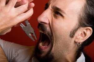 image علت درد گرفتن دندان ها موقع عصبانیت چیست