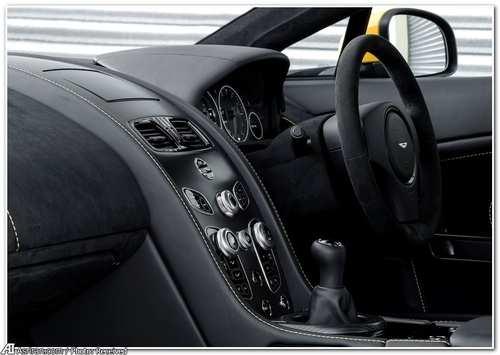 image, تصاویر ماشین استون مارتین V12 Vantage S 2017 انگلیس