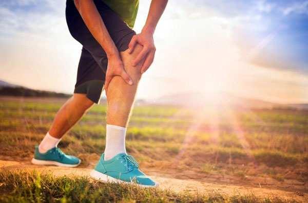 image چرا عضلات بدن به طور ناگهانی میگیرند و دردناک میشوند