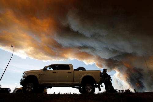 image تصاویر آتش سوزی جنگل ها در ایالت آلبرتا کانادا