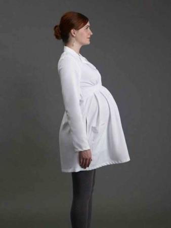 image مدلهای زیبای بارانی بهاری برای خانم های باردار