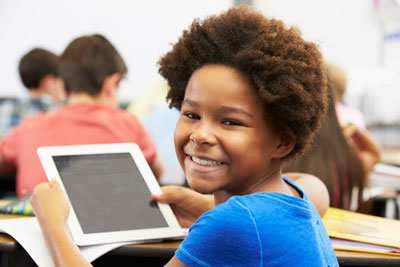 image, آیا اجازه بدهیم بچه های مدرسه ای از اینترنت استفاده کنند