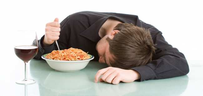 image بعد از غذای سنگین خوردن میشود خوابید یا نه