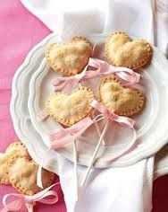 image طرز تهیه شیرینی مربایی شکل قلب برای مهمانی نامزدی