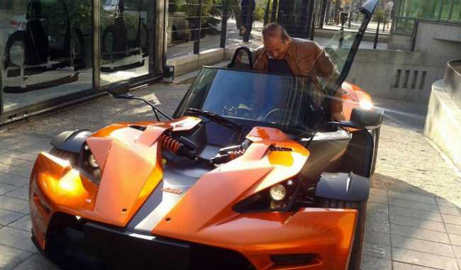 image, عکس از ماشین های شیک و مدل بالا در خیابان های تهران