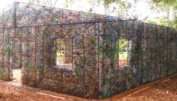 عکس, گزارش تصویری از خلاقیت ساخت خانه با بطری های دور ریختنی