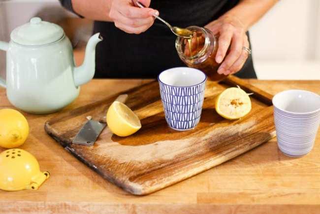 image معجون ساده آب و عسل چه خواصی دارد