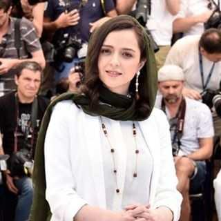 image اولین عکس منتشر شده ترانه علیدوستی در جشنواره کن