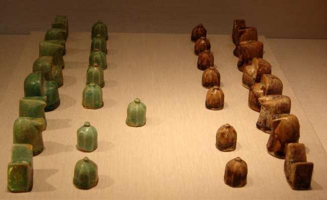 image عکس دیدنی اولین مهره ها و صفحه شطرنج دنیا