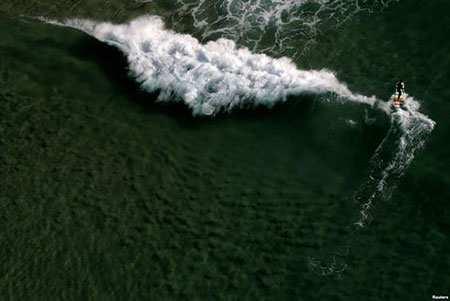 image, عکس دیدنی موج سواری در ساحل شهر ریودوژانیرو برزیل