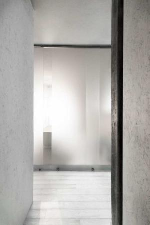image, دکوراسیون شیک و خاص کامل یک خانه با رنگ سیاه و سفید